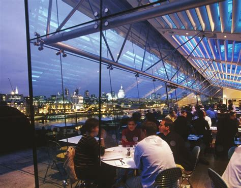 thames river view restaurants oxo tower on london s south bank boasts views across the