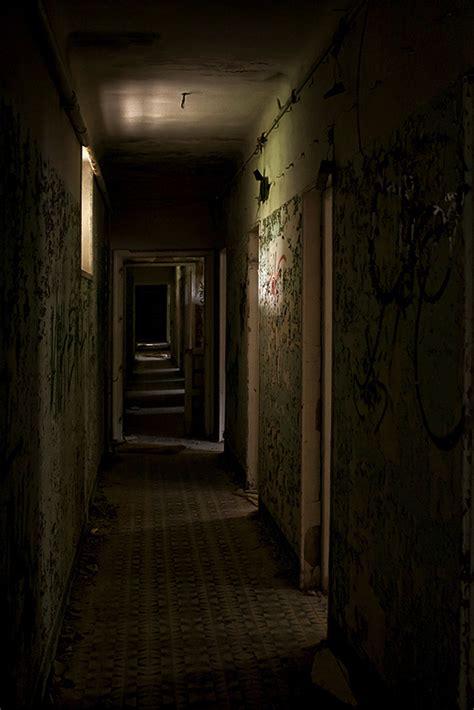 dark hallway dark hallways el bueno el feo y el malo