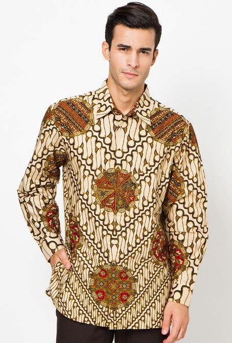 Kemeja Batik Nusantara Lengan Panjang 8 kemeja batik yang buat pria makin maskulin style remaja
