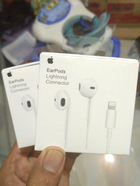 Baru Headset Iphone jual beli headset iphone 7 original baru headset