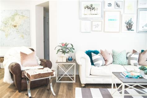 How To Decorate With Pillows by How To Decorate With Throw Pillows According To Havenly