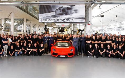 lamborghini factory lamborghini builds 1000 aventador lp700 4 supercars in 15