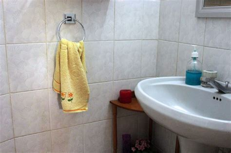 where to hang towels in small bathroom 25 best ideas about hanging bath towels on pinterest