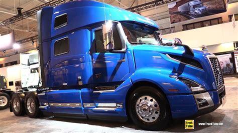 volvo vnl   globetrotter xl sleeper exterior interior walkaround  truckworld