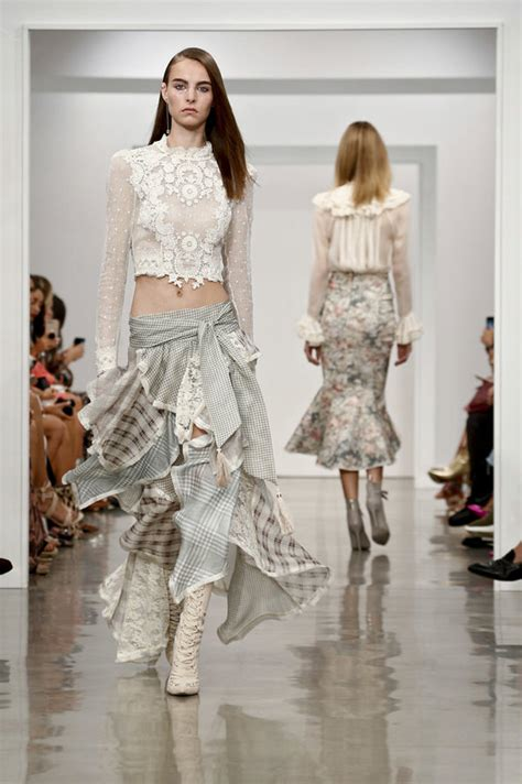 Fashion Week Fall 2007 Review Of Runway Coverage Second City Style Fashion by Zimmermann 2017 Collection Tom Lorenzo