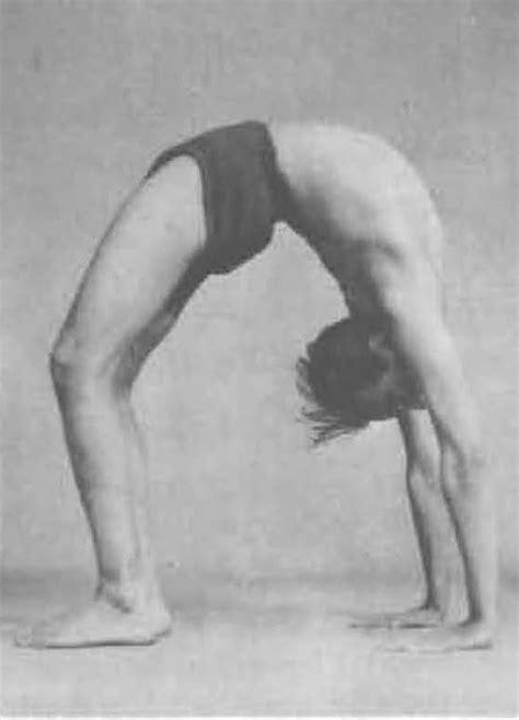 bks iyengar yoga the honoring the life of bks iyengar 1918 2014 namaste
