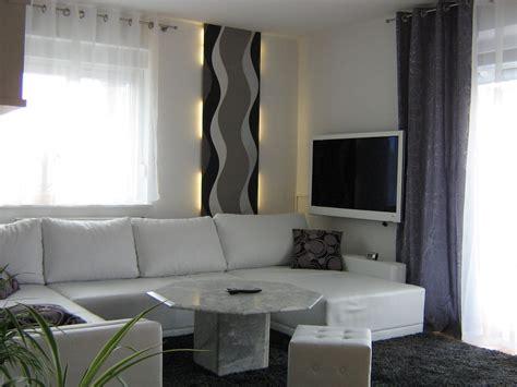 grau weiß wohnzimmer zimmer einrichten mit dachschr 228 ge