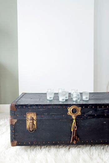 oude kist als salontafel deze oude kist dient als salontafel huis pinterest room