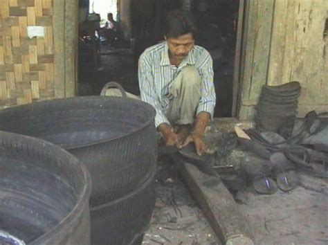mengolah limbah ban bekas menjadi produk  peluang usaha
