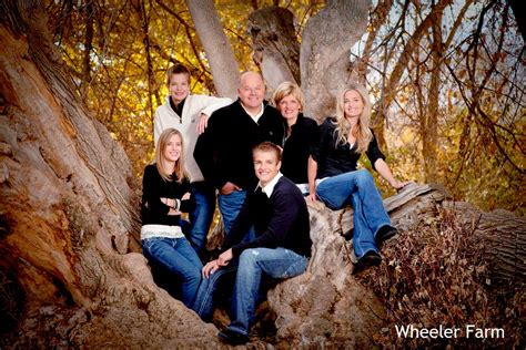 Family Portrait Ideas by Family Portrait Ideas