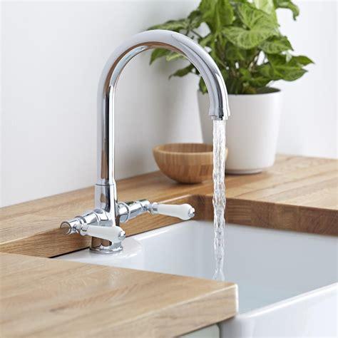 best kitchen sink taps how to choose the best kitchen taps bigbathroomshop