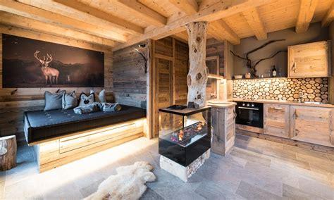 berghütte für 2 personen mieten luxus chalets in s 252 dtirol f 252 r 2 5 personen in den