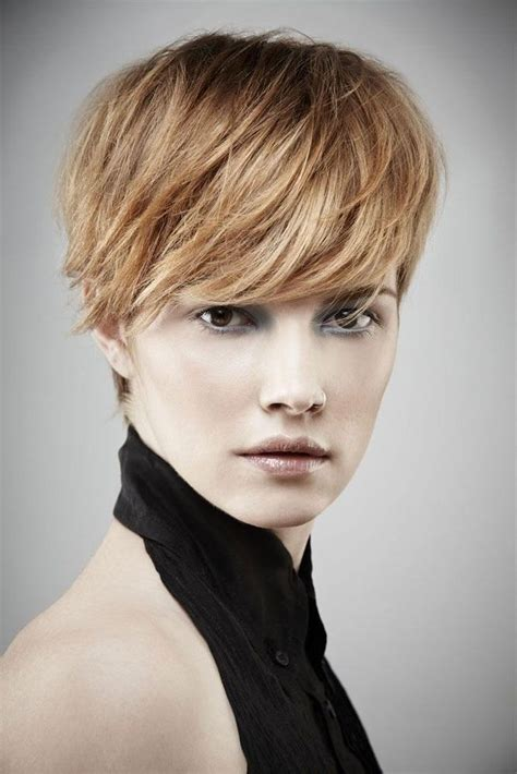 26 best short haircuts for long face popular haircuts in 20 best collection of short haircuts for oblong face