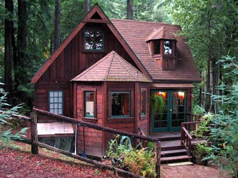 small vacation cabins 25 best ideas about tiny house cabin on pinterest tiny