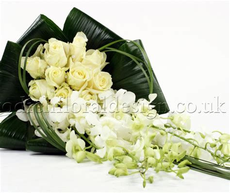 Wedding Bouquet Cost by Wedding Flowers