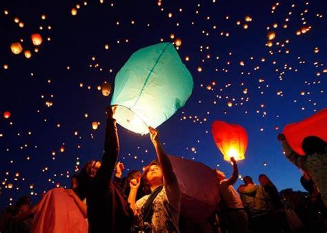lanterne volanti cinesi mongolfiere volanti
