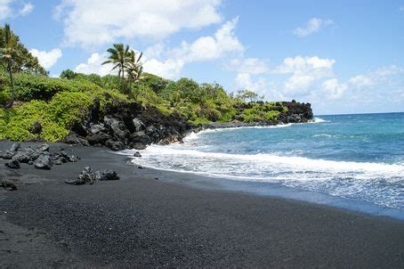 black sand beach in maui wow pinterest top 17 ideas about my top five on pinterest the old