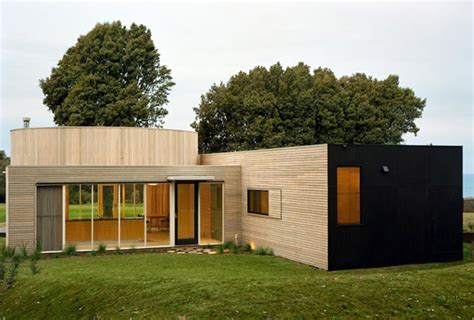 small budget house by pb elemental architects freshome com small budget for building a fabulous contemporary home