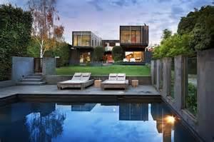 style facade hides modern architecture
