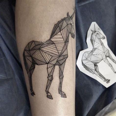 nas tattoos linhas e formas perfeitas nas tatuagens de masiuk