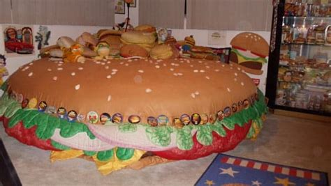 cheeseburger bed 5 waterbeds you would have to be crazy to own