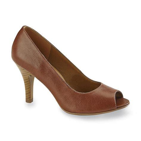 i love comfort i love comfort women s juno cognac peep toe pump shoes