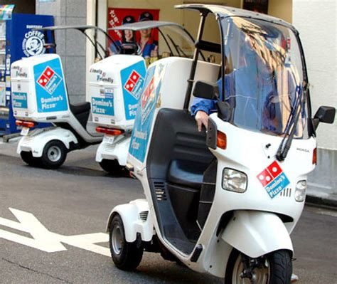 domino pizza delivery dream job domino s offers 31g for one hour s work ny