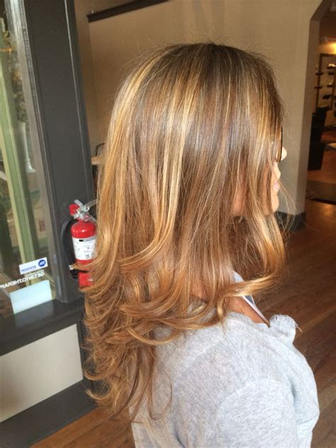 is honey blond good for a 70 years old lady honey and carmel blonde facebook hair by shelby tryst