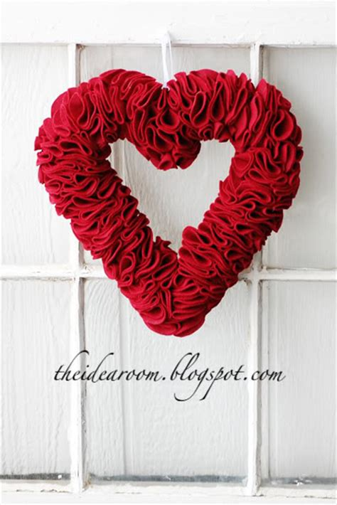 diy valentines wreath diy home decor ideas for s day page 2 of 2
