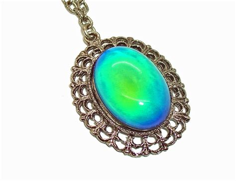 vintage setting mood necklace color changing silvertone