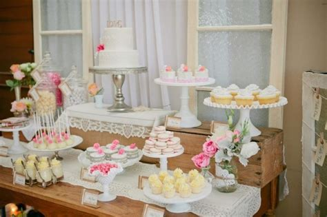 wedding candy table ideas wedding philippines wedding dessert table ideas 04 600x399
