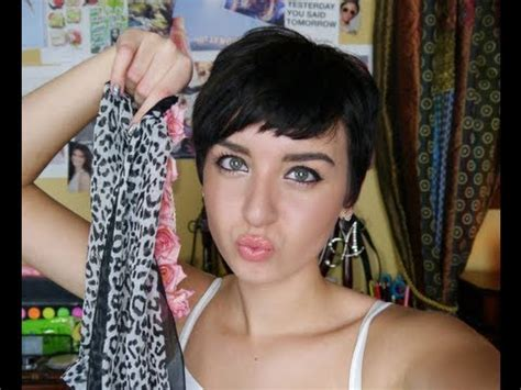 how to style your hair while a pixie grows out styling your growing out pixie cut short pixie augusta