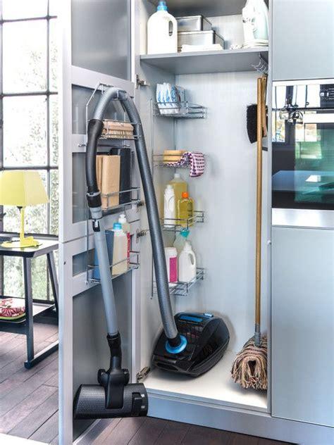 Cleaner Rack by Best 25 Vacuum Cleaner Storage Ideas On