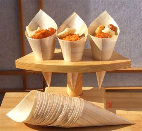 Temaki Sushi stand for 3 rolls Japanese in wood with 100