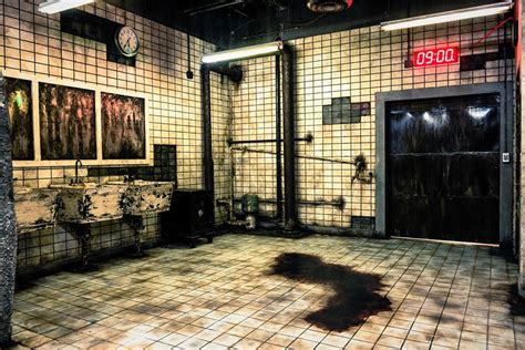 saw room official saw escape room experience las vegas 2018