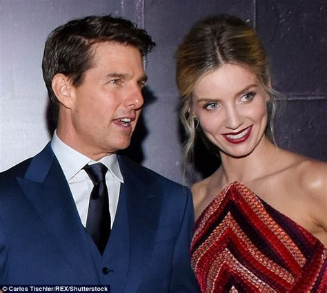 chelsea peretti tom cruise tom cruise looks fascinated by annabelle wallis daily