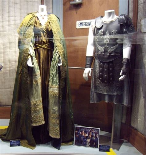 gladiator film costume designer hollywood movie costumes and props russell crowe and
