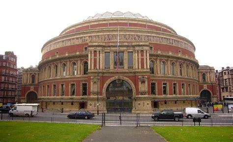 hampton court palace architecture london  architect