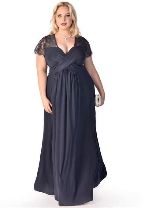 Maxi Monic Navy A maxi dress for plus size pluslook eu collection