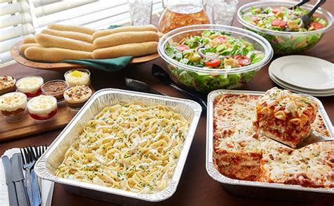 Easy Family Lunch With Olive Garden New Menu Ogtastes Ad Lasagna Combination Serves 8 14 Lunch Dinner Menu Olive Garden Italian Restaurant