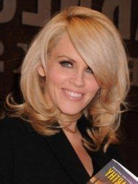 what is jenny mccarthy natural hair color 1000 ideas about jenny mccarthy bob on pinterest medium