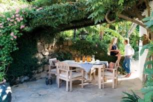 courtyard furniture decoration inspiration be creative when dealing with open spaces