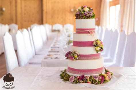 Hochzeitstorte Nebeneinander by Vintage Wedding Cake Im Blumenmeer Mann Backt