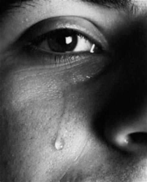 imagenes de ojos llorando de hombres 50 curiosidades sobre los ojos taringa