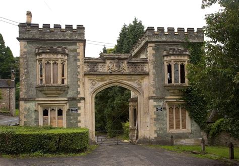 gate house port eliot gatehouse cornwall guide photos