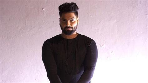 pin navv inder punjabi singer wikipedia wakhra swag singer biography breaking news on navv inder bollywoodcharcha