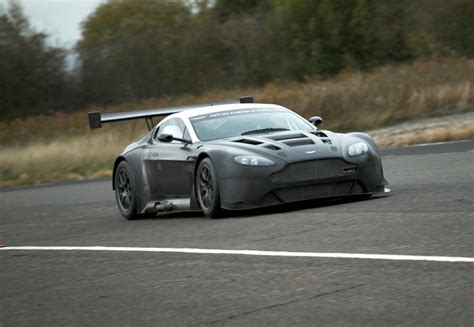 Aston Martin Vantage Gt3 by 301 Moved Permanently