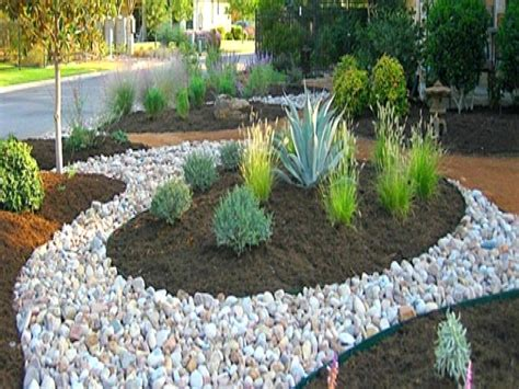 Landscape Rock Mulch Mulch Landscaping Ideas Amazing Landscaping Ideas With