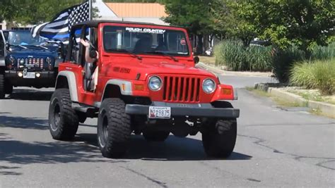 Jk Jeep Forum Jeep Owners Show Up To Quot Back The Blue Quot Jk Forum
