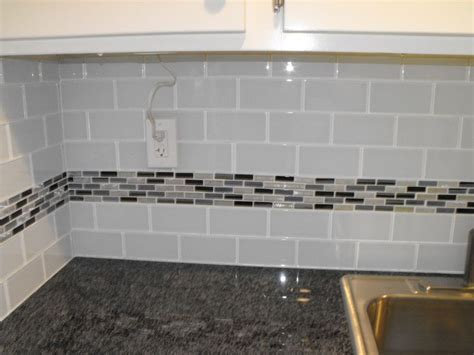 glass subway tile projects before after pictures 22 light grey subway white grout with decorative line